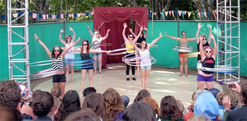 circusfest-hoopgroup.jpg