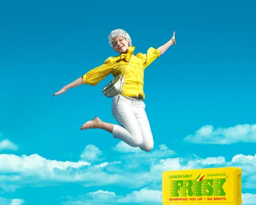 jumping_grandma_1280.jpg