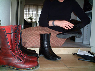 polishingshoes.jpg
