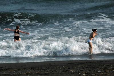 hiratsuka-waves