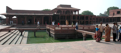 fatehpur-courtyard.jpg
